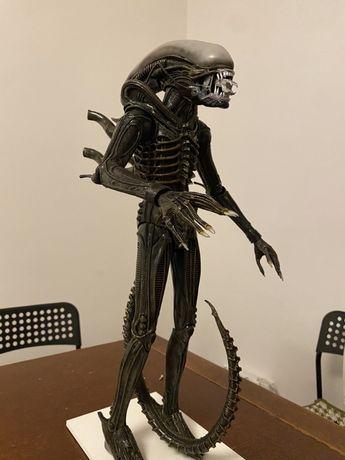 """Neca 18"""" Alien nie Sideshow, Hot Toys, Kotobukiya"""