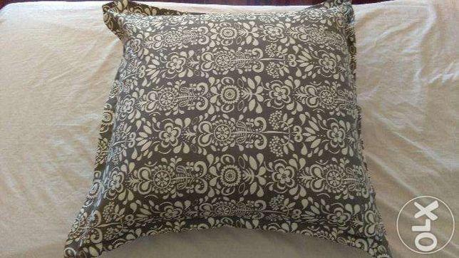 Almofada Decorativa 65 cm X 65 cm