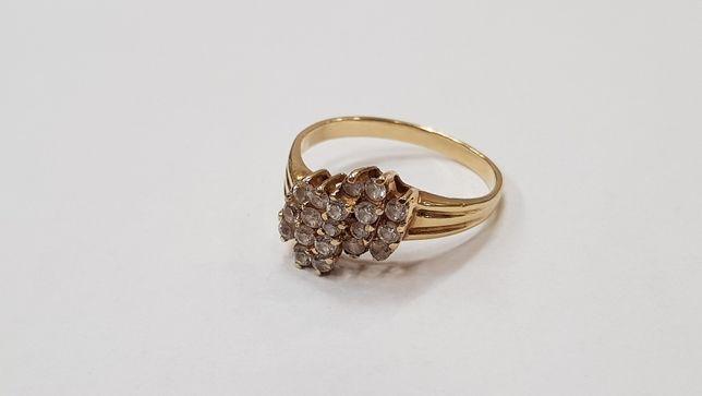 Przepiękny złoty pierścionek/ 585/ 3.3 gram/ R19/ cyrkonie/ sklep Gdyn