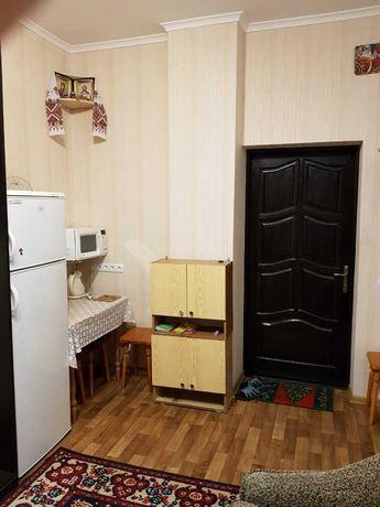 Сдается комната в семейном общежитии.