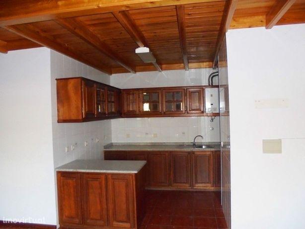 Apartamento T2+1 em zona calma e de fácil acesso - Condom...