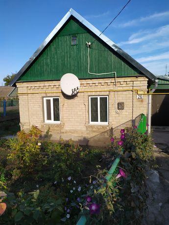 Продам дом в пгт. Камышеваха