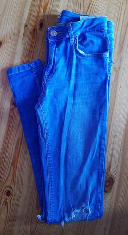Bershka jeansy z dziurami