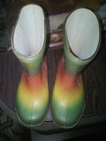 Детские резиновые сапоги.Дитячі гумові чоботи.