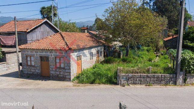 Moradia T1 Venda em Dornelas,Amares