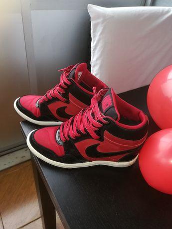 Nike 38.5