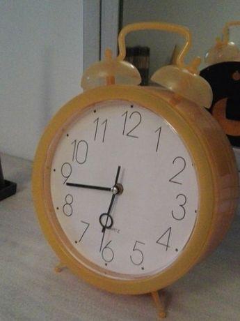 Relógio grande impecável