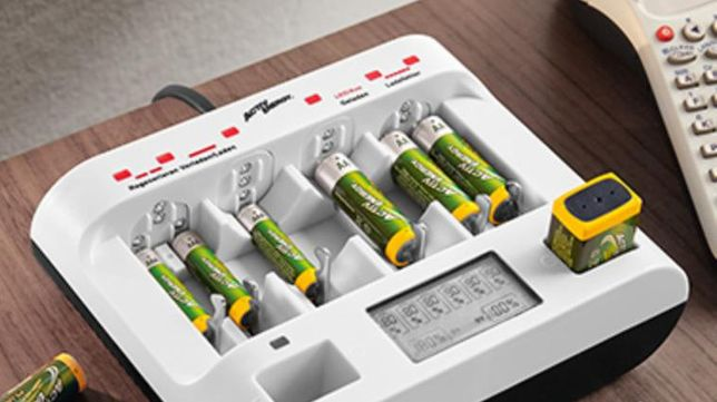 Зарядное устройство для всех видов аккумуляторов и батареек, крон, USB