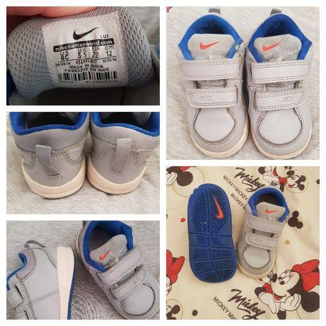 Кроссовки Nike р.22