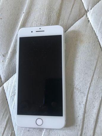iPhone 8 Plus - faço troca com urgência