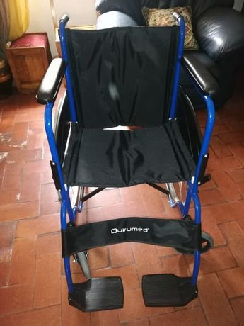 Cadeira de rodas nova e ultra leve