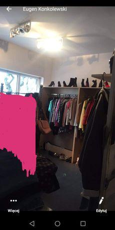 Meble do sklepu odzieżowego manekiny metkownice oświetlenie