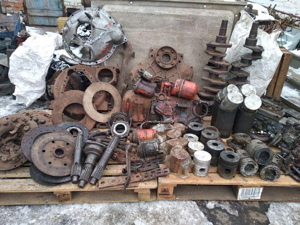 Двигатель СМД 22 в разобраном состоянии