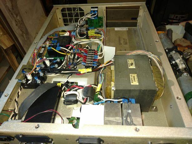 Продам промышленный UPS 220/110V 1000TR-III13