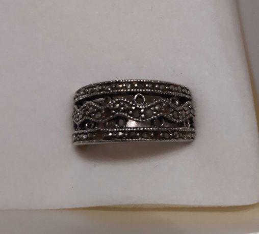 Pierścionek- obrączka z markazytami srebro pr 925