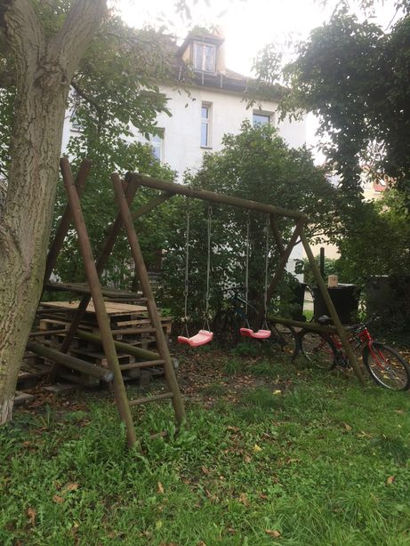 Huśtawka ogrodowa ze zjeżdżalnią