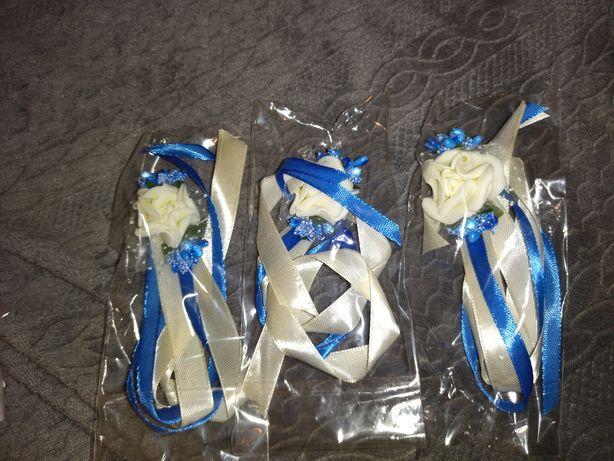 Nowe pozostałości z wesela przypinki, kotyliony, kokardki na butelkę