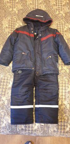 Детская зимняя куртка с капюшоном, р.110 и комбинезоном р.104