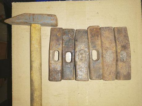 Stary młotek, zestaw 14 młotków, stare narzędzia.