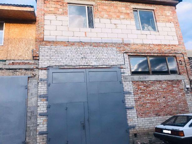 Продам помещение под СТО в гаражном кооперативе в р-н ЗАЗ Можно часть