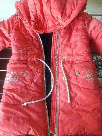 Продам курточку на девочку в идеальном состоянии