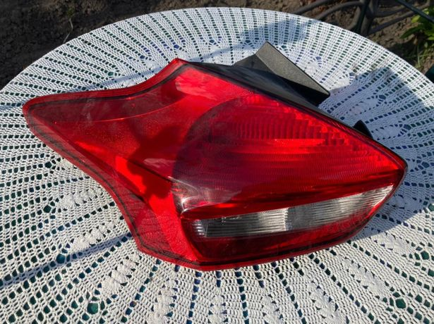 Фара левая задняя Ford Focus Hatchback 3 (рестайлинг)