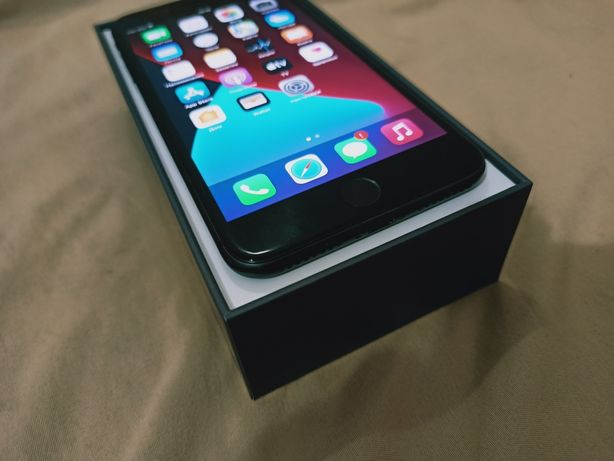 Iphone 8 plus 64gb (space grey)