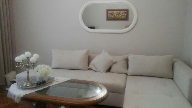 Продам білий сучасний диван у відмінному стані