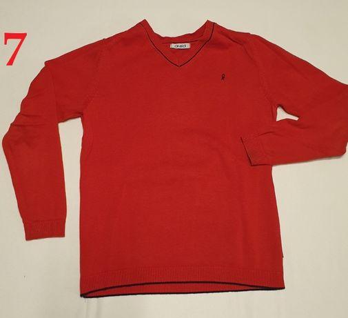 Sweterek w serek czerwony Marka:Okaidi Rozmiar: 140