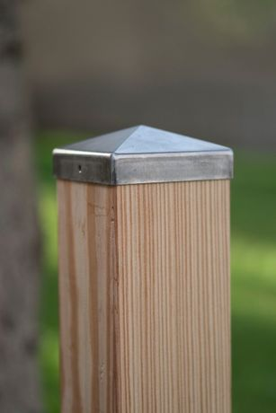 Słupek modrzewiowy szlifowany 100x9x9 cm