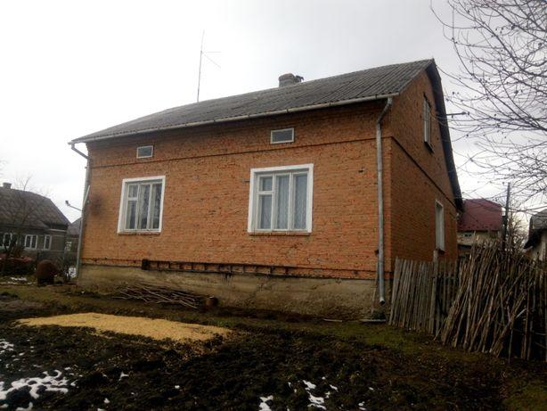 Продається будинок в м. Хирів