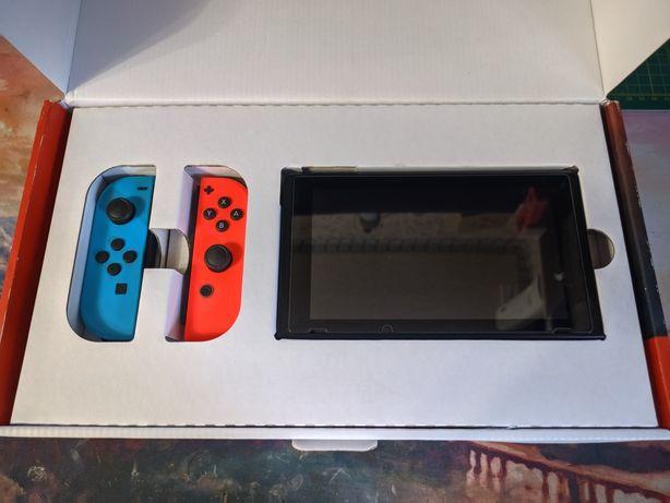 Nintendo Switch 64гб, прошитая, полный комплект.