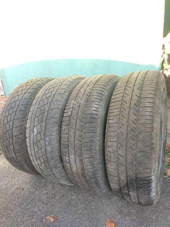 Комплект зимних шин Goodyear, Pirelli 195 65 R15