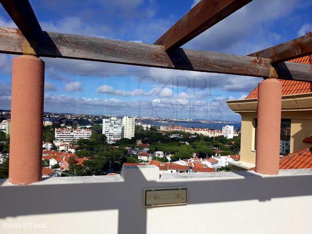 Apartamento T3 com vista mar no Bairro do Rosário, Cascais