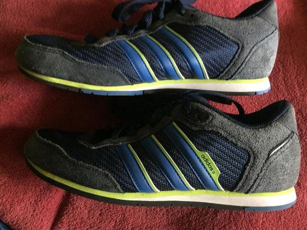 Кроссовки мужские 39,40 размер. Adidas