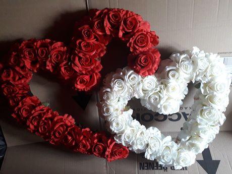 Serca z róż kwiatów białe czerwone bordowe ścianka