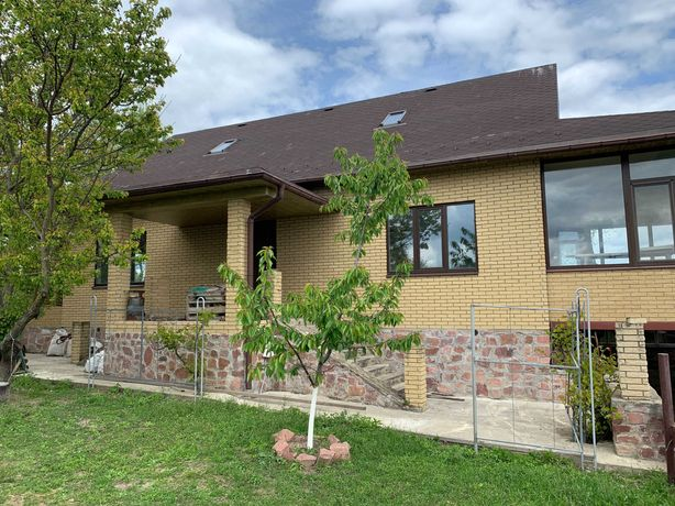 Продаётся новый двухэтажный дом, 70 км. от Киева