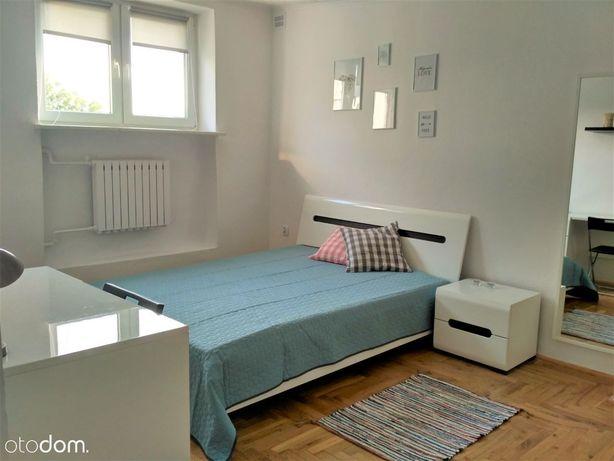 Duży pokój z łóżkiem**Rondo Wiaraczna**