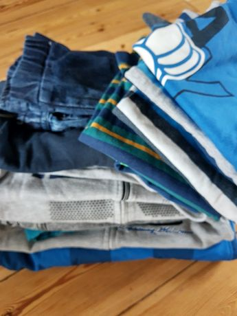 Ubrania dla chłopca na 116 cm bluzy spodnie ocieplane dżinsowe bluzki