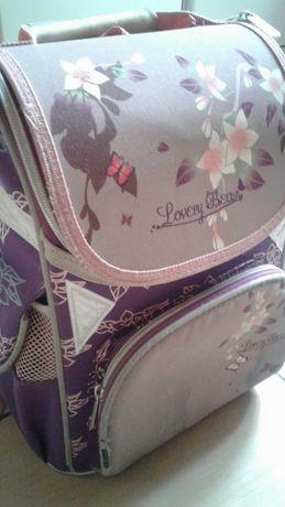 Продам портфель для девочки