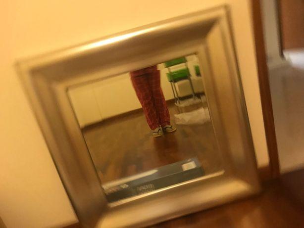 Espelho de parede da Loja do Gato Preto
