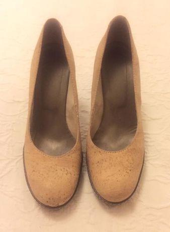 Sapatos de cortiça 39