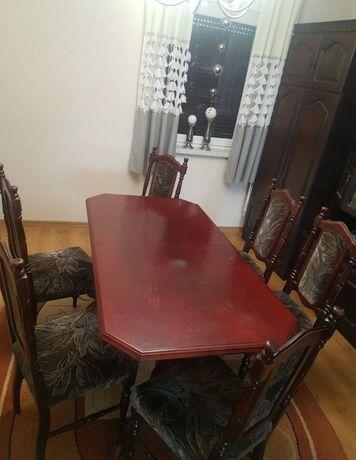 Stół rozkładany z krzesłami. gratis meblościanka