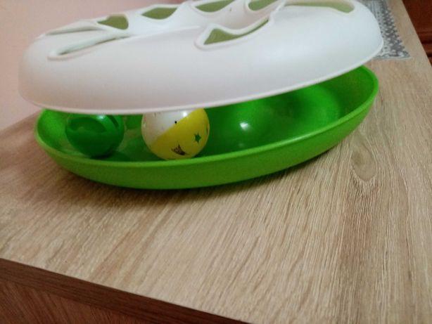 Zabawka dla kota z kuleczkami