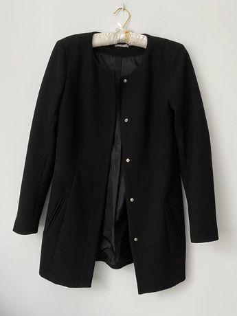 Klaysczny czarny wiosenny płaszcz