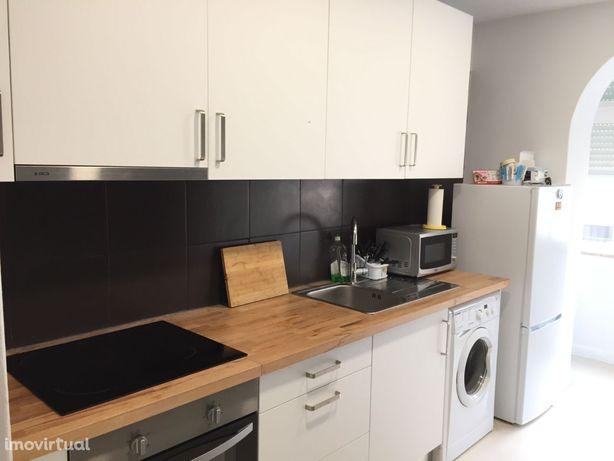 Apartamento T1 Remodelado Barreiro Verderena - Cozinha Equipada