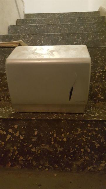 Pojemnik na ręczniki papierowe Masterliner