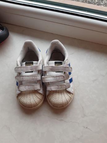 Продам кроссовки адідас adidas
