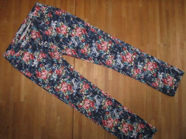 spodnie w kwiaty 42