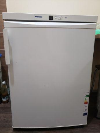 Продам мини холодильник liebherr ktp 1700